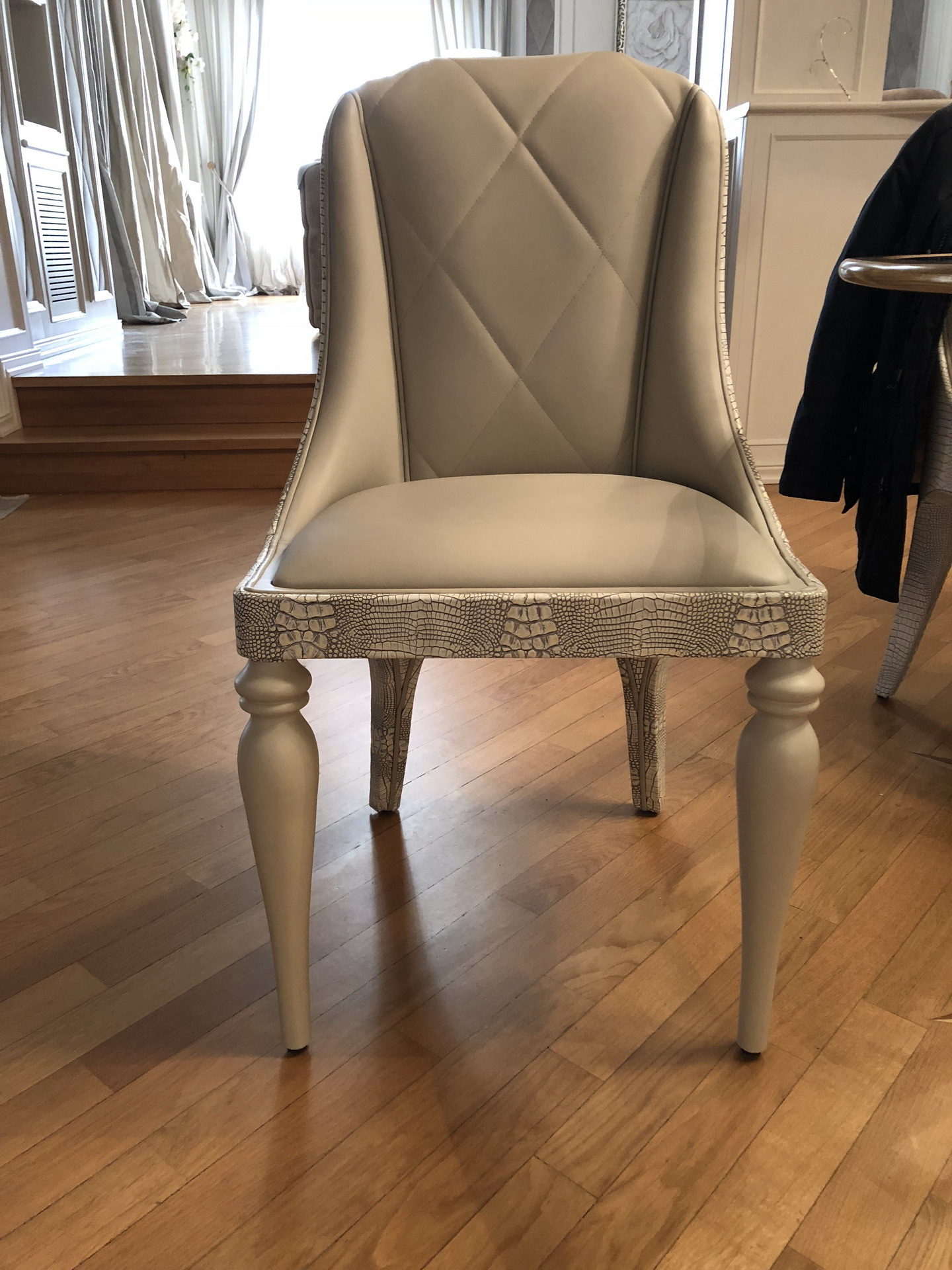 sedia-imbottita-pelle-moderna-3