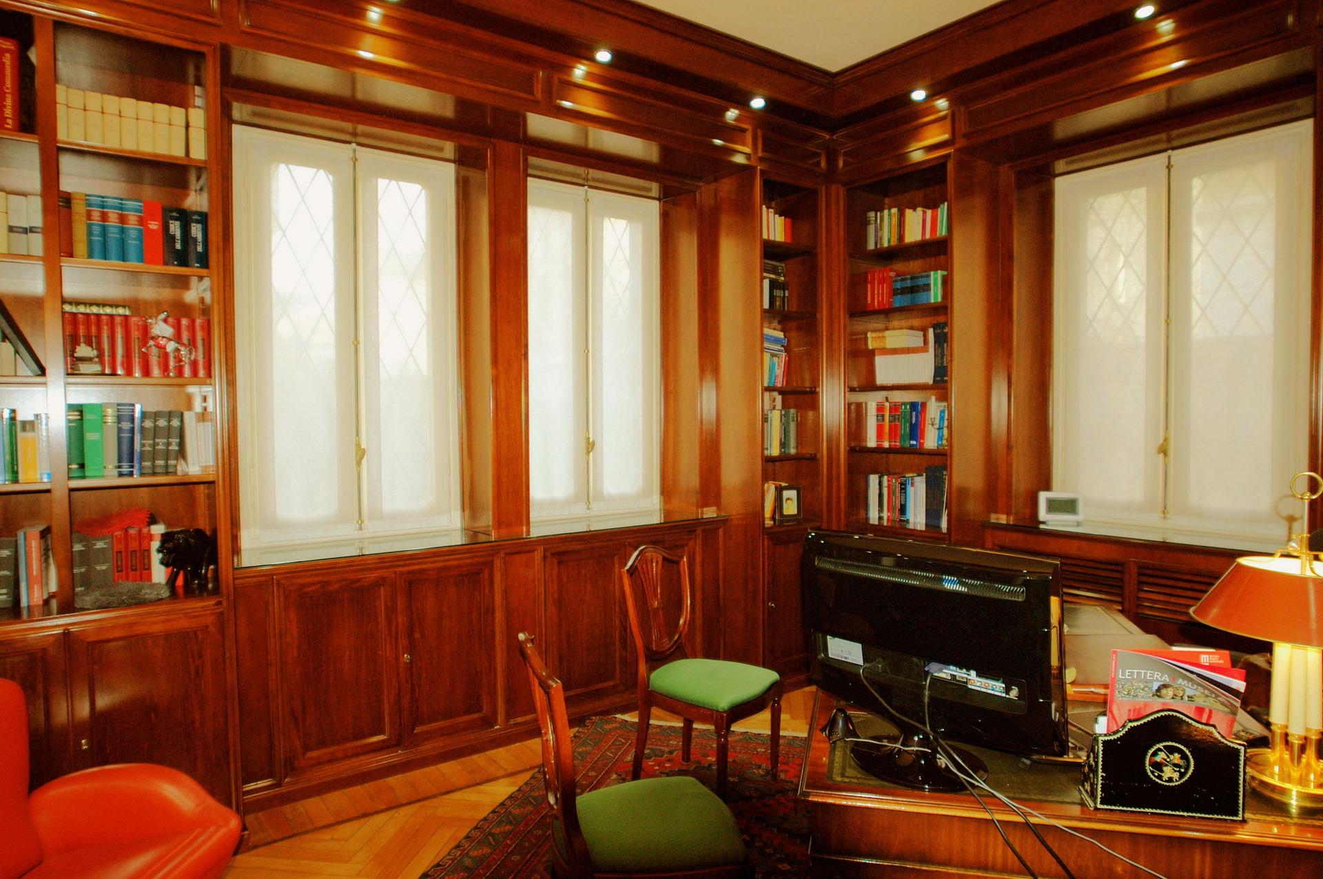 Progetto studio legale mobili ferrero for Mobili studio legale