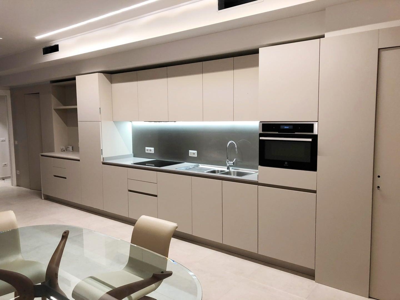 Appartamento moderno mobili ferrero for Appartamento moderno