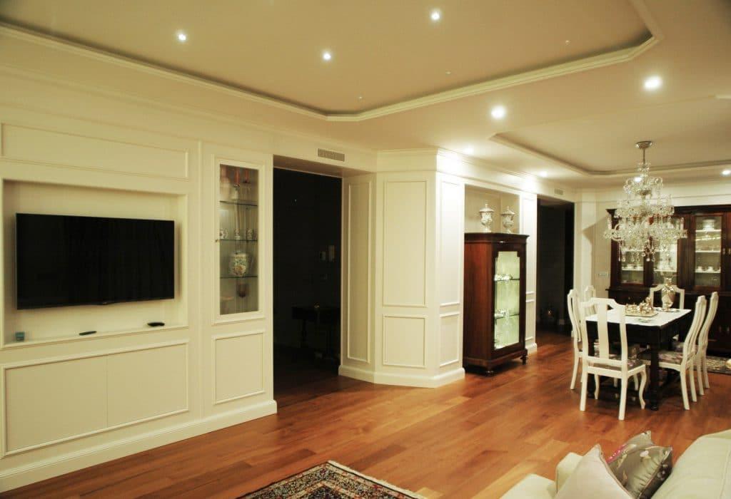 Wood panelled living room - Mobili Ferrero